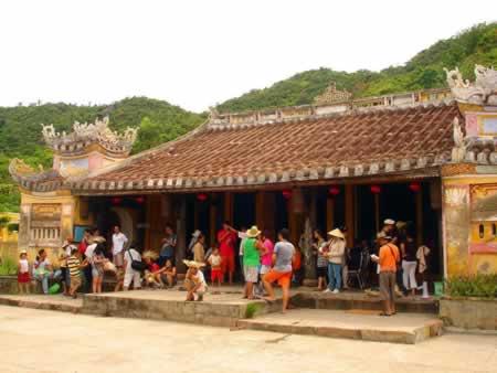 Chùa Hải Tạng tại thôn Bãi Ông